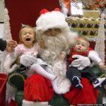 creepy-santa-frightens-kids