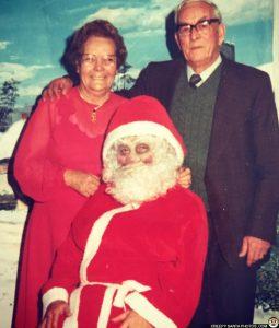 creepy-black-eyed-santa
